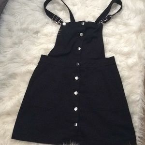 Cute black jean overalls dress👗